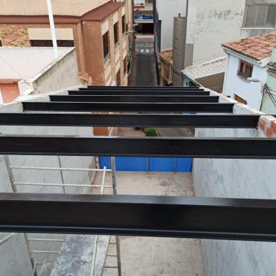Casa-entre-medianeras-Castellón-Cubierta-Vigas-Metálicas.jpeg