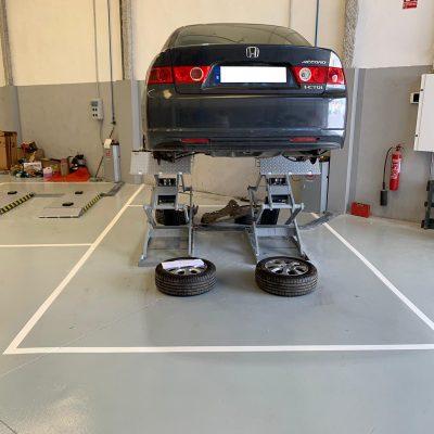 Trabajos-de-pintura-en-suelos-de-taller-automóvil-Castellón.jpg
