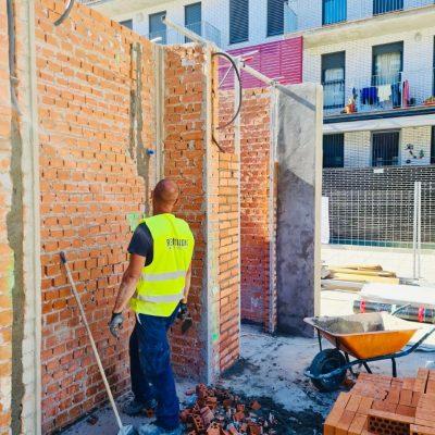 construccion-obrero-exterior-pared-castilla-y-leon-tres-cantos.jpg